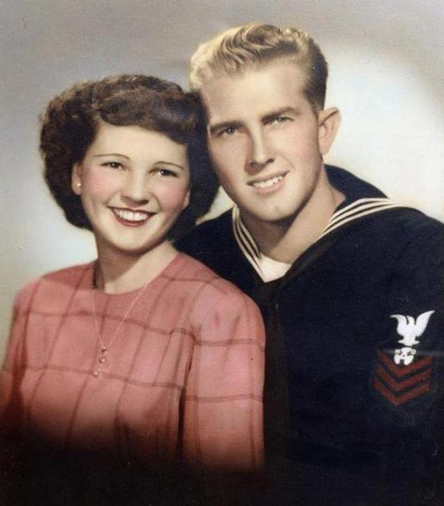 Family photo of Floyd Hartwig and wife Violet who died hours apart while holding hands
