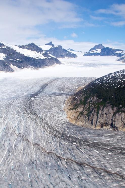 Alaska Glacier curge