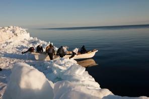 Alaskan-whaling-crew512