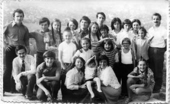La Iași prin 1976 - cu Cristi și Mirel Țepeș, Tudorel Sfatcu, Dănuț Mănăstireanu, Silvia și Genoveva