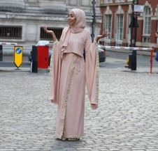f3593f0abe69aa29344a8797b70da4a3--abaya-fashion-modest-fashion